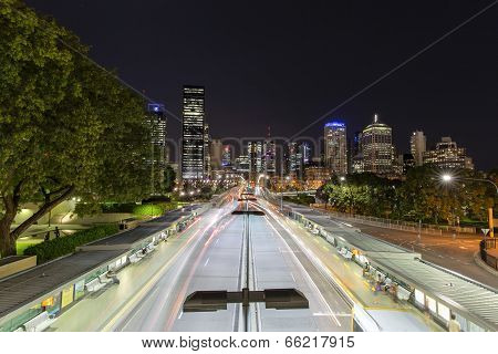 Brisbane cityscape and busway