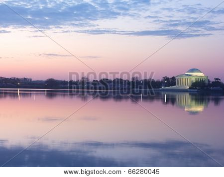 Thomas Jefferson Memorial at dawn.