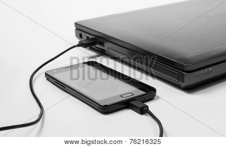 Smartphone Charging Power From A Laptop