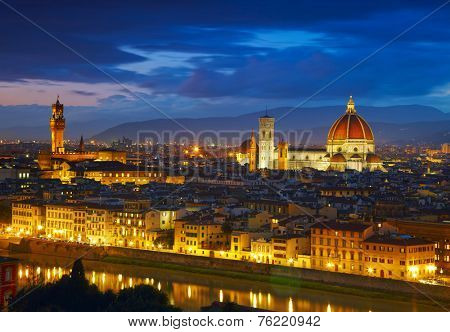 Night view to Palazzo Vecchio and Cathedral of Santa Maria del Fiore (Duomo). Florence, Italy