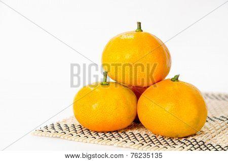 Huddle Ripe Oranges