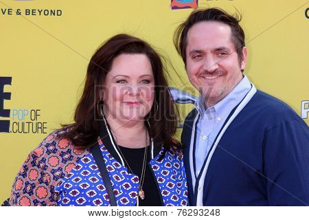 LOS ANGELES - NOV 16:  Melissa McCarthy, Ben Falcone at the PS Arts Express Yourself Benefit at the Barker Hanger on November 16, 2014 in Santa Monica, CA