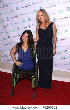 LOS ANGELES - NOV 15:  Jennifer Bricker, Lauri Burns at the