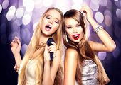picture of singing  - Karaoke party - JPG
