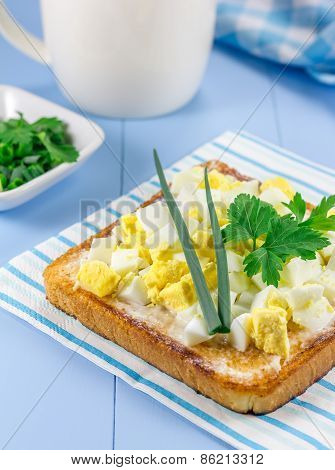 Breakfast Sandwich With Chopped Eggs And Verdure
