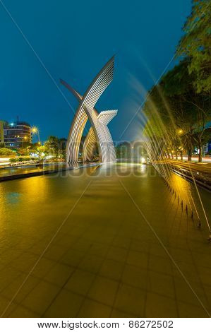 Night View Metal Sculpture Or Peaceful Monument, Welcome Statue At Hoang