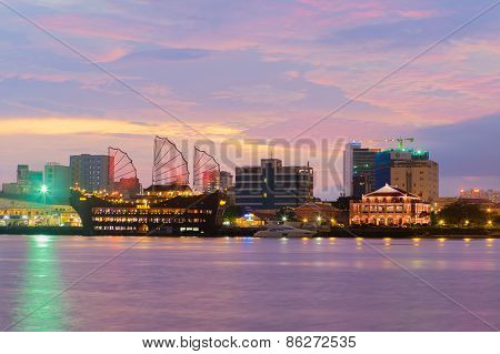 Night View Of Dragon House Wharf ( Ben Nha Rong ) Or Ho