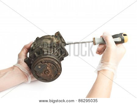 Disassembly of engine mechanism element isolated
