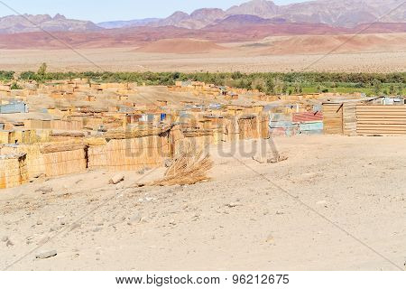 Aussenkehr Man Made Shacks On The Bank Of Orange River.