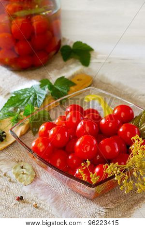Preserved Red Tomatoes Cherri
