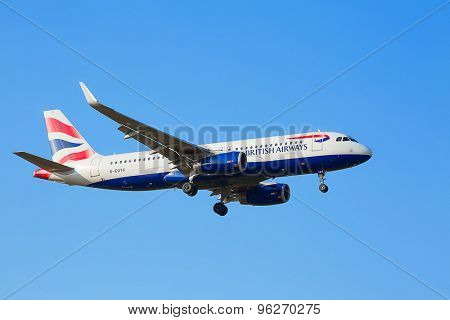 ZURICH - JULY 18: Boeing-737 British Airways landing in Zurich after short haul flight on July 18, 2015 in Zurich, Switzerland. Zurich airport is home for Swiss Air and one of biggest European hubs.