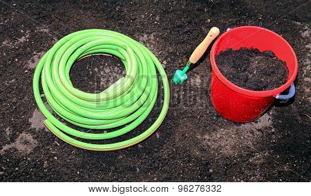 Horticulture Accessories On The Gardenbed