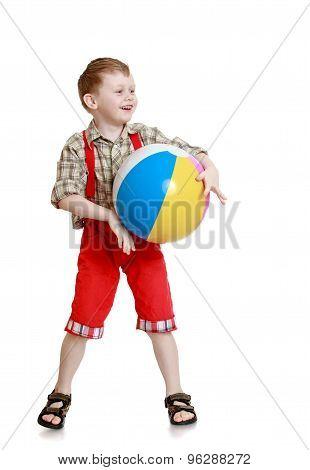Smile little boy red long shorts