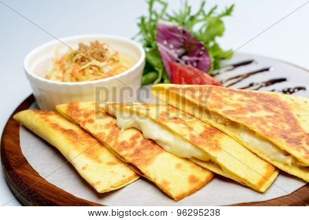 Omelet with cheese and herbs