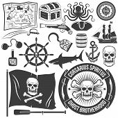 pic of pirate flag  - Set to create a logo of a pirate - JPG