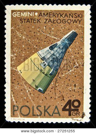 POLAND - CIRCA 1966: A stamp printed in Poland showing Gemini sputnik, circa 1966