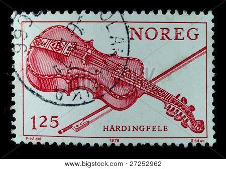 Noruega - alrededor de 1978: Un sello impreso en espectáculos de Noruega Austratt, Austrattborgen manor Orland, alrededor de 1