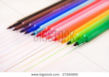 colored felt pens