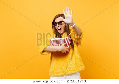 Scared Woman In 3d Imax