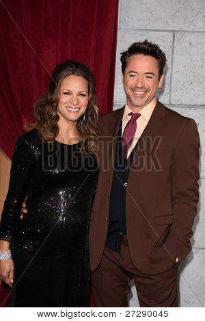 LOS ANGELES - DEC 6:  Robert Downey Jr and wife Susan Downey arrives at the
