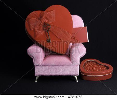 Heart On Chair Plus Card