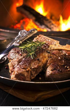 t-bone steak in the frypan