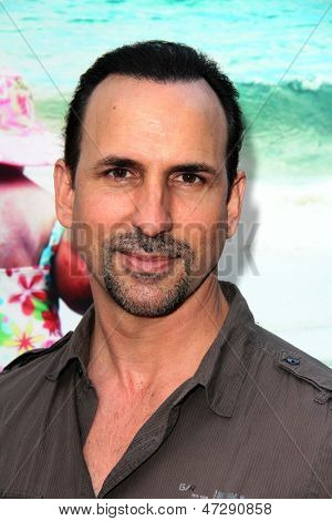 LOS ANGELES - JUN 12:  Oscar Torre arrives at the