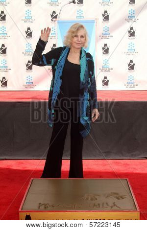 Kim Novak at the Kim Novak Hand and Foot Print Ceremony to coincide with the TCM Film Fest, Chinese Theater, Hollywood, CA 04-14-12