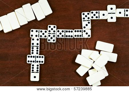 Dominoes Playing