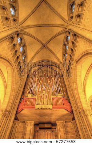 Saint-Pierre cathedral, Geneva, Switzerland (HDR)