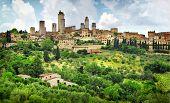 image of farmhouse  - San Gimignano panorama  - JPG