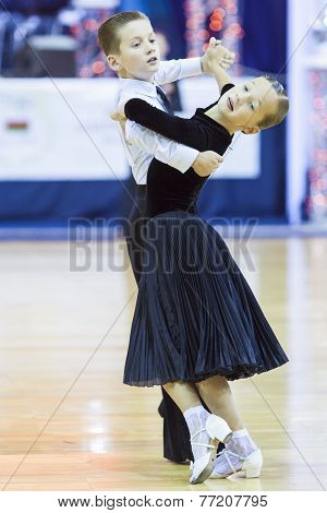 Minsk-belarus, October 4,2014: Unidentified Dance Couple Performs Juvenile-1 Standard European Progr