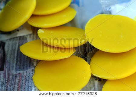 Beeswax Yellow
