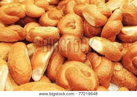 many baked buns