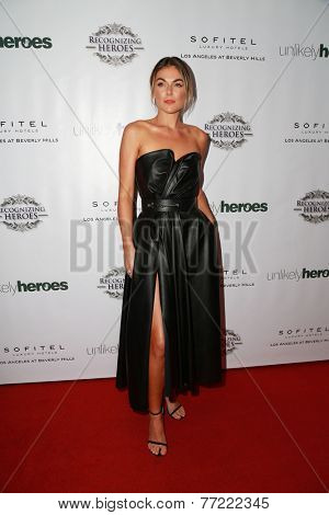 LOS ANGELES - NOV 8:  Serinda Swan at the 3rd Annual Unlikely Heroes Awards Dinner And Gala at the Sofitel Hotel on November 8, 2014 in Beverly Hills, CA