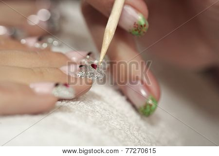 Making Nails - Applying Gels And Decoration