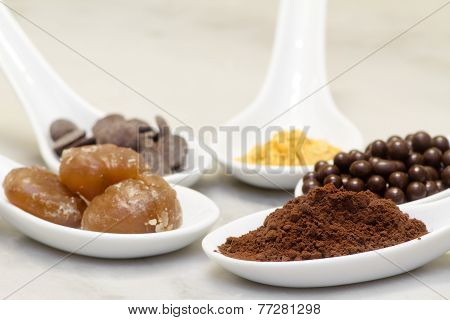 Cocoa Powder, Chocolate Pralineand Drop,  Marron Glacee And Golden Edible Powder Fot Confectionery