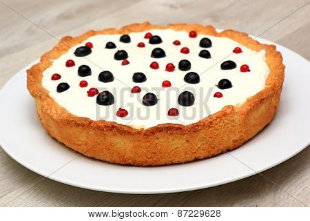 Berry Tart: Shortbread Dough, A Layer Of Black Currant Curd, Whipped Cream, Decorated With Berries O