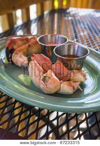 Cooked Stone Crab Claws