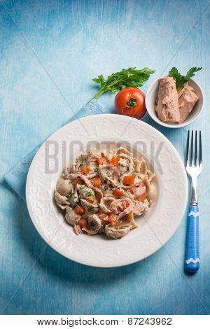 pasta with tuna and fresh tomatoes