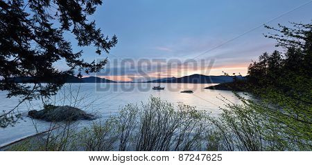 Kelvin Grove Beach - Lions Bay, Bc