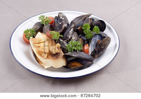 Fresh Mussel And Garlic Baguette