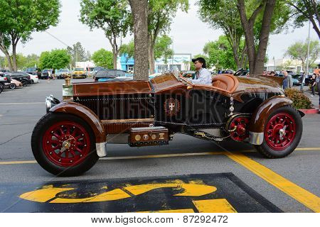 La Bestioni Rusty Classic Car On Display