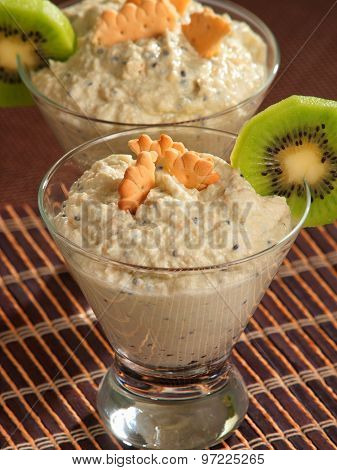 Cheese Cream With Kiwi Fruit