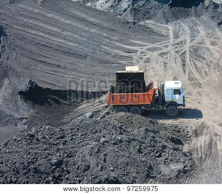 Truck On The Loading Of Coal In Coal Mine