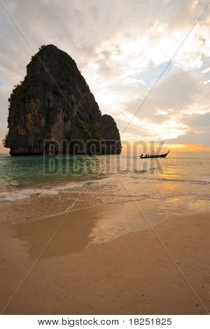 Sunset Boat Railay Beach Thailand Vertical