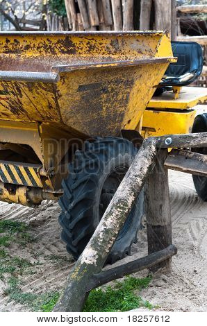 Máquina de Consturction amarelo grande