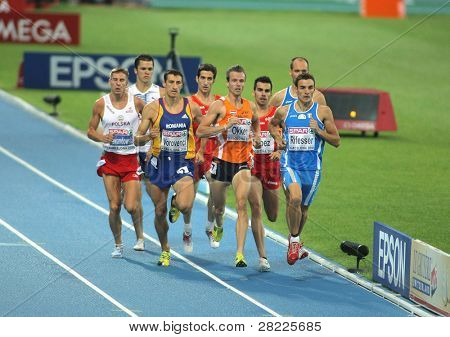 BARCELONA, SPAIN - JULY 29: Competitors of 800m Men during the 20th European Athletics Championships at the Olympic Stadium on July 29, 2010 in Barcelona, Spain