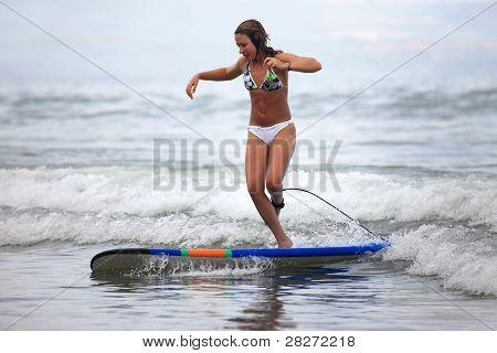 Surfer - Girl