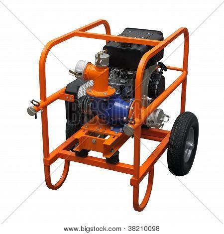 La unidad de gasolina móvil naranja.